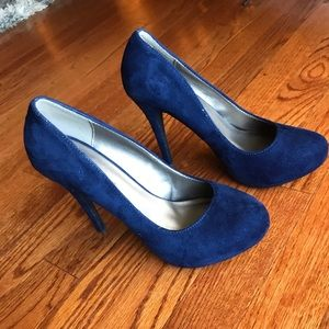 Dark blue suede looking heels